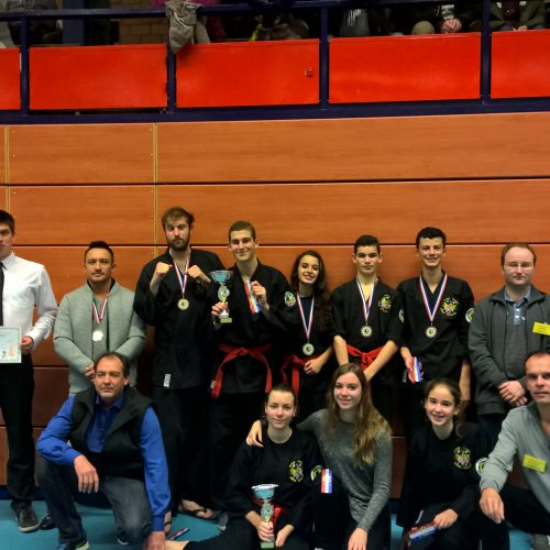NK Fighting team met scheidsrechters
